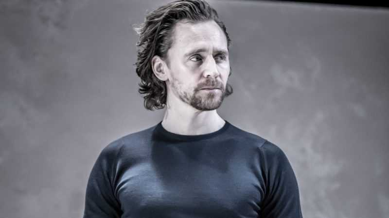 Tom Hiddleston, Biografia e Filmografia dell'Attore
